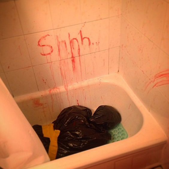 16 Halloween Pranks To Scare The Sh!t Out Of Everyone! - grabberwocky