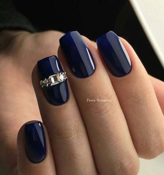 The Reason Why Everyone Love Dark Blue Nails With Diamonds Dark Blue Nails With Diamonds Blue Nail Designs Rhinestone Nails Blue Nails
