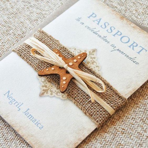 faire-part mariage original avec un ruban sympa et étoile de mer en bois