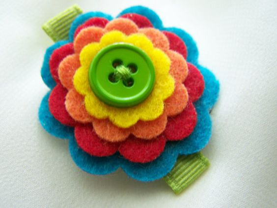 Felt flowers, Felt and Buttons on Pinterest