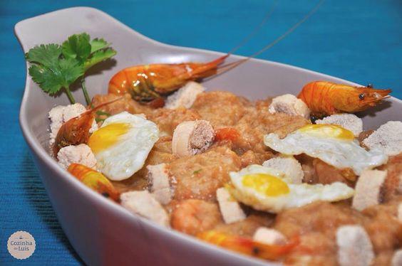 Arroz de tamboril, com ovas, camarão e ovo de codorniz.