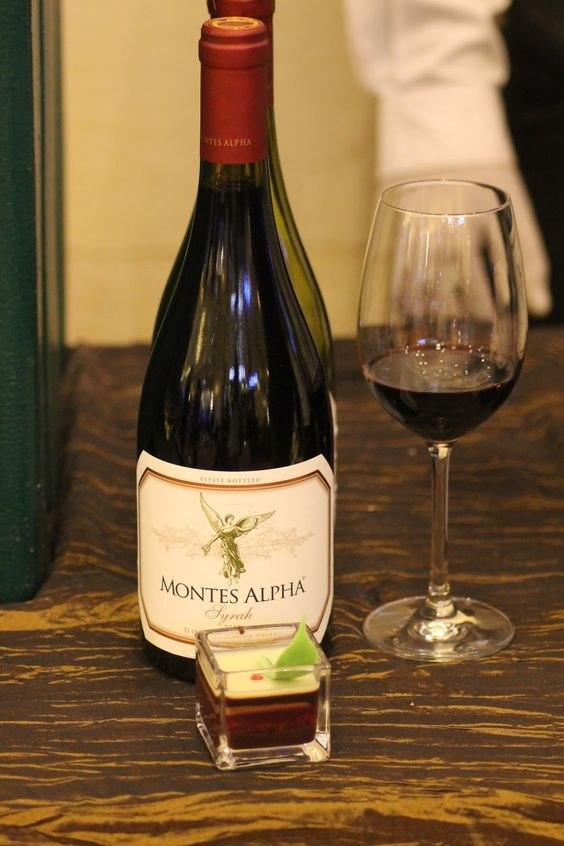 Rượu Vang Montes Alpha Syrah