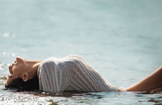 GORGEOUS POSE! Bensimon is the best photographer, I love his work..Bella Donna  Isabeli Fontana by Gilles Bensimon for Maxim Magazine October 2015