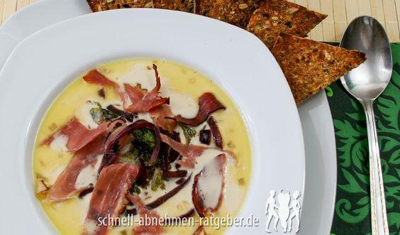 Käsesuppe mit Parmaschinken und Low Carb Röstbrot