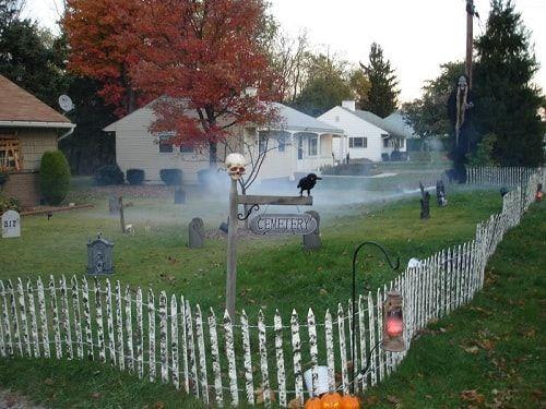 15 Kreativste Halloween Zaun Ideen Zum Des Bevorstehenden Ereignisses Zu Versuchen Mit Bildern Halloween Zaun Halloween Zaun Ideen