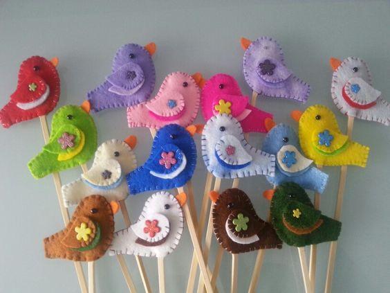 Kuikentjes op een stokje, knutselen van vogels voor bijvoorbeeld Pasen