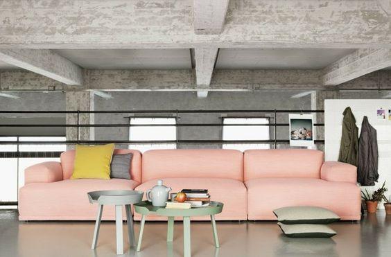 farbe wohnzimmer 2016:Trendfarben 2016 Pantone Wohnzimmer Sofa in Rosa