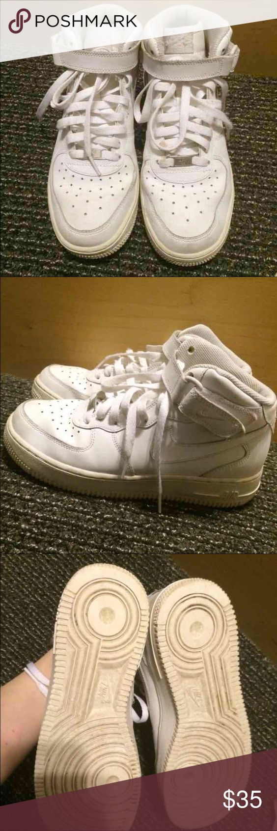 Nike Air High Tops Super cute Nike high tops.  Still in great condition. Awesome to use in and out of the gym! Nike Shoes Athletic Shoes
