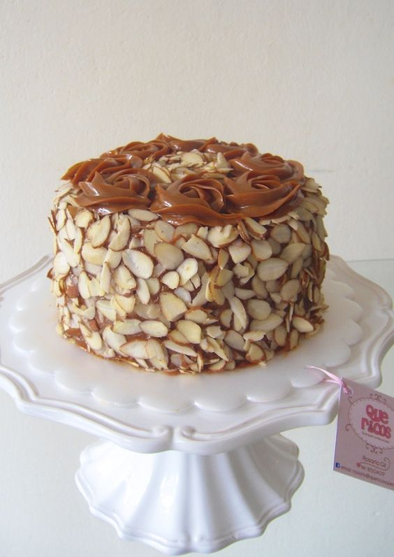 Almond cake. Que Ricos queques artesanales.