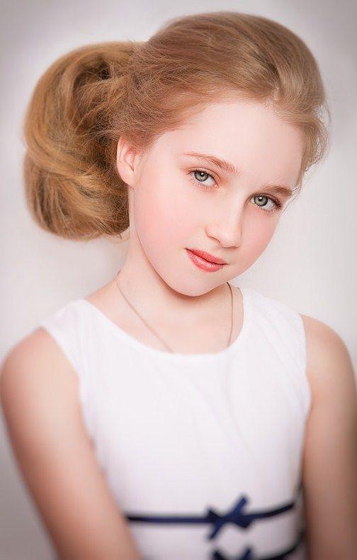 Preteen Russian Child Model: Russian Child Model Dasha Chendekova.