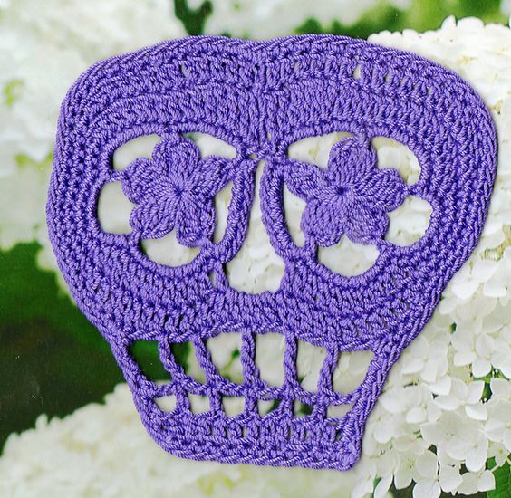 Free Crochet Pattern Of The Day : FREE PATTERN Ravelry: Vera Crochet Day of the Dead Skull ...