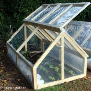 How to build an easy inexpensive mini greenhouse for Easy to make greenhouse