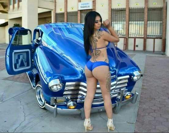 Lowrider girls latina
