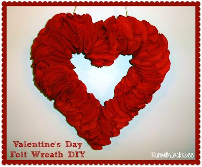 Super easy Valentine's Wreath!