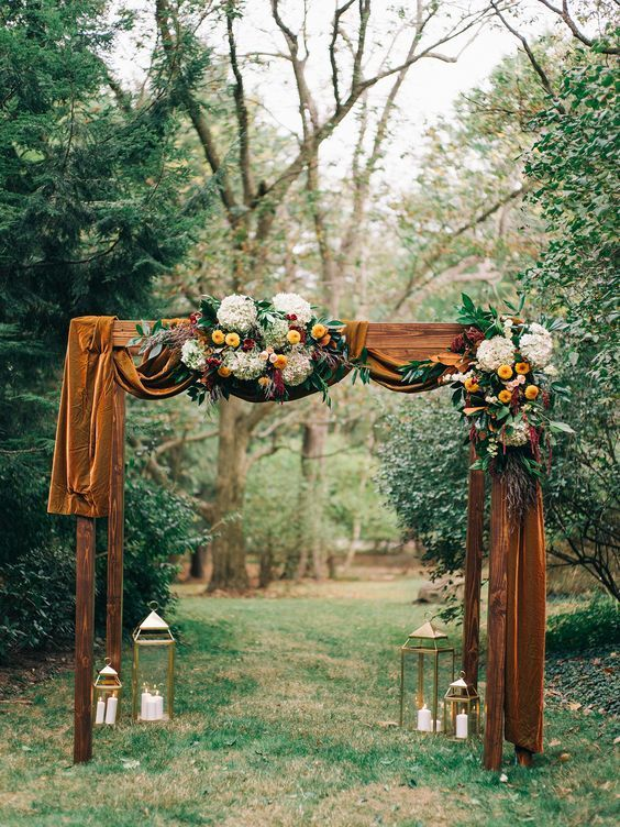 Getting Ready For A Fall Wedding And Don T Know What Decor To Choose For Your Wedding Arch Or Wann Fall Wedding Arches Earth Tone Wedding Outdoor Fall Wedding