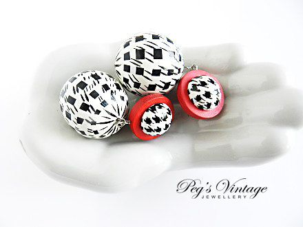 Large Vintage Retro White  Black and Red by PegsVintageJewellery, $14.00