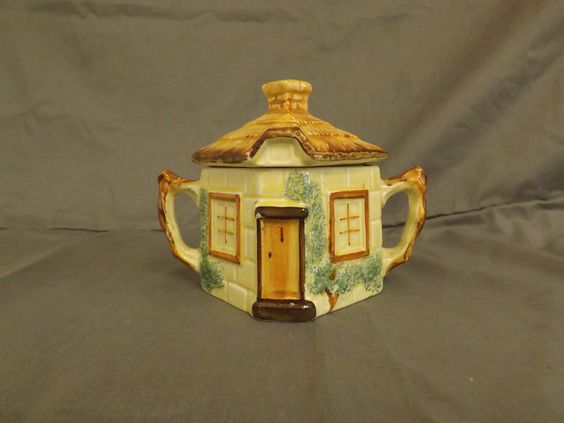 Keele st. Pottery sugar bowl