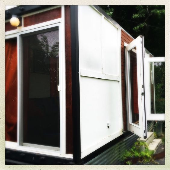 Mobile converted container tiny houseofficestudio for sale