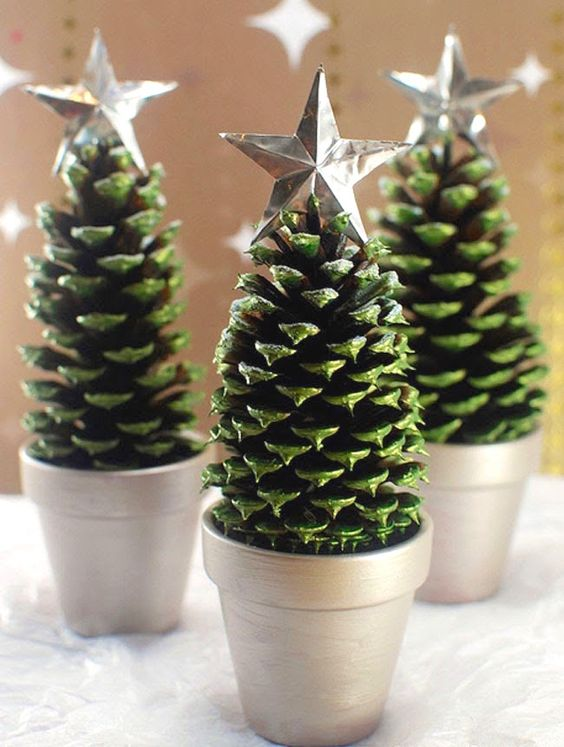Christmas decor diy project craft ideas trees for Pine cone christmas tree craft