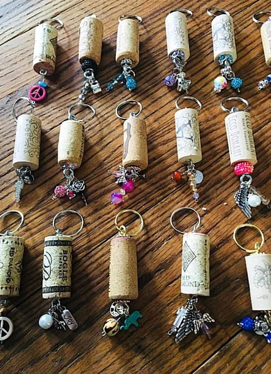 Wine Cork Keychains These Keychains Make A Great Add On Gift To A Bottle Of Wine Or A Little Something Extra To Give T In 2020 Wine Corks Decor Wine Cork