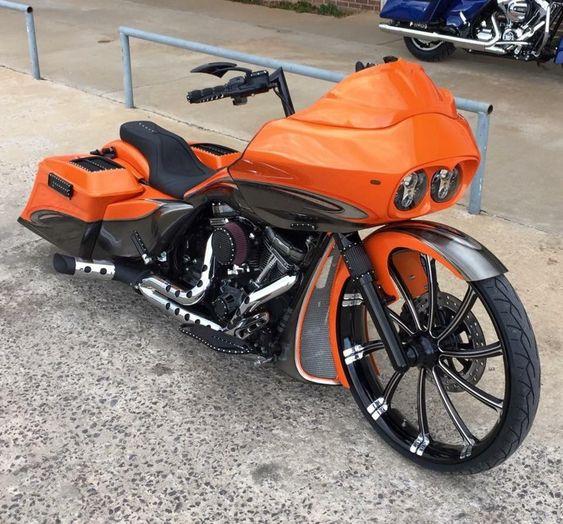 OrangeRoadGlide2 Custom Bagger