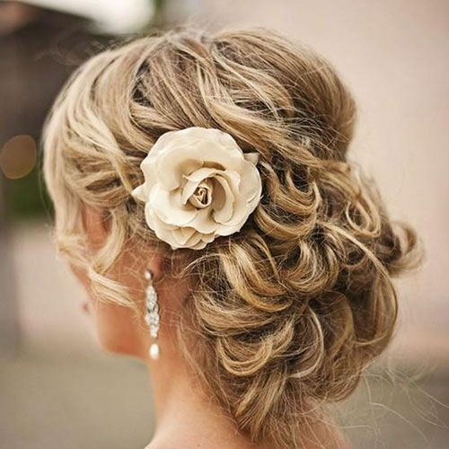 50 Perfect Bridesmaid Hairstyles For Your Wedding Party 2020 Guide In 2020 Trendy Wedding Hairstyles Bride Hairstyles Wedding Hairstyles With Veil