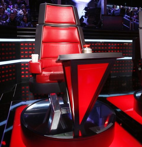 The Voice Chair charitybuzz 4 vip tickets backstage tour at the voice |  Stoelen