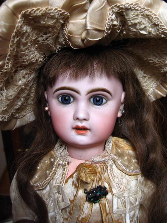Bebe Jumeau | File:Antique French Jumeau doll BullDoll inspiration
