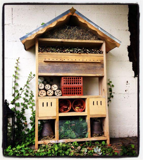 l 39 h tel insectes des petits jardins bonheurs mes petits jardins bonheurs pinterest. Black Bedroom Furniture Sets. Home Design Ideas