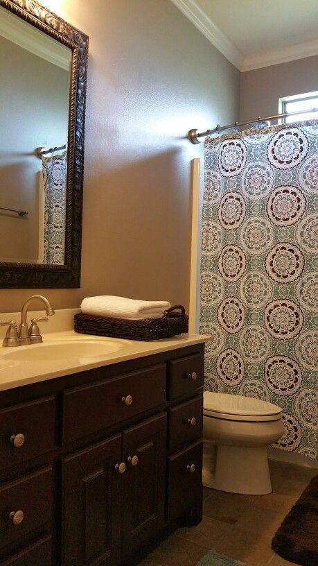 Guest Bath / Small Bath makeover