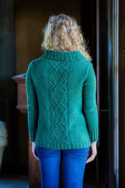 http://www.ravelry.com/patterns/library/distel-4