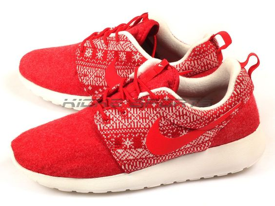 Nike Wmns Roshe One Winter Christmas Sweater University Red/Sail 2015 685286-661