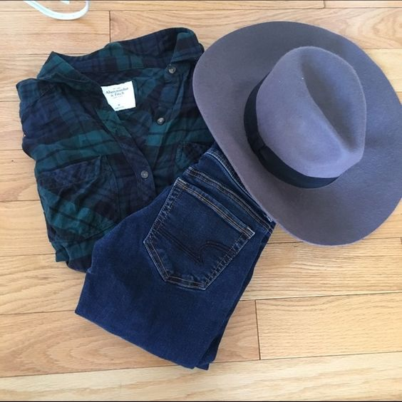 Perfect outfit bundle!!!! Hat forever 21- jeans size 2 American eagle skinny dark wash and flannel Abercrombie and Fitch size M Abercrombie & Fitch Jeans Skinny