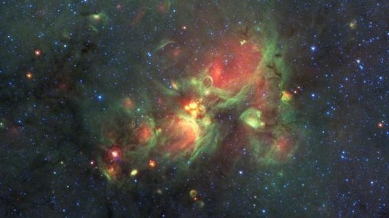 """regiones de formación de estrellas compactas donde se aprecian las llamadas """"yellowballs"""""""