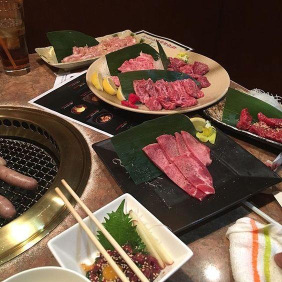 おはようございますヾ(๑⃙⃘´ꇴ`๑⃙⃘)ノ  昨日は急きょ焼肉でした!  二人で行ったんやけど4人前のぐらい頼んじゃって腹パンでした いまだにお腹ポンポンです笑  とりあえず肉は元気でる気がします。今日も1日頑張りましょ #安定の #焼肉 #肉 #肉食 #meat #うまい #赤身 #せせり #メイン
