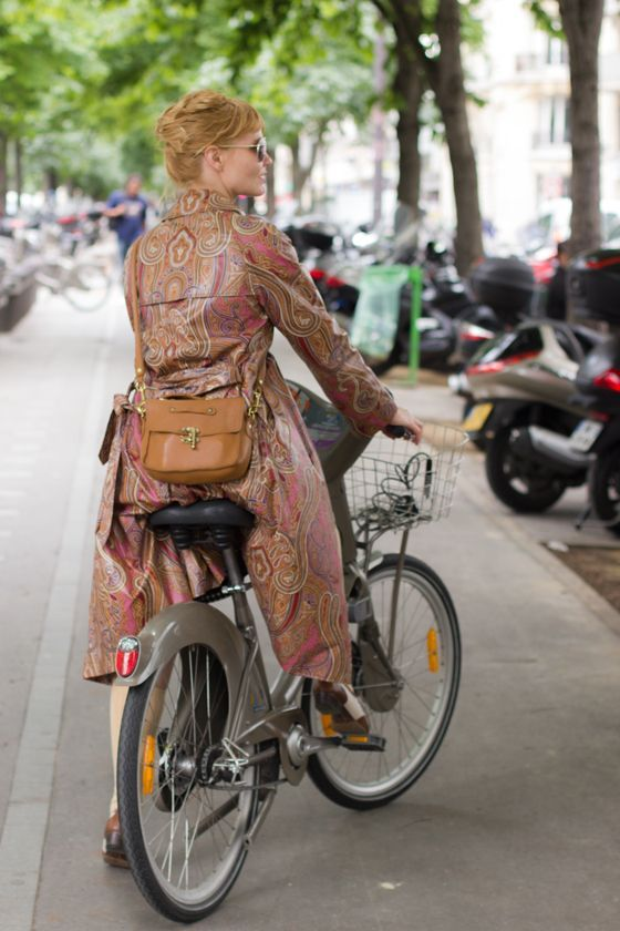 Cycle Style For A Day In Paris Cycle Chic Cycling Fashion