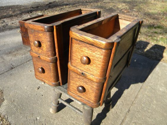 set of 1890s to 1910 SINGER SEWING MACHINE drawers by score571