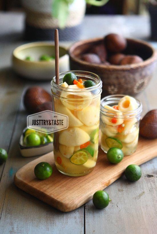 Manisan Salak Bali Salak In Spicy Citrus Water Fotografi Makanan Manisan Buah Ide Makanan