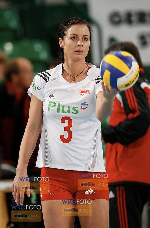 Halle 15 01 2008 European Volleyball Women S Olimpic Qualification Poland Netherland Eleonora Dziekiewicz Pol Fot Piotr Hawalej Volleyball Women Sports