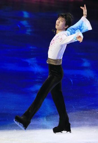 羽生「代表の誇り背負う」 エキシビションで決意  http://www.sponichi.co.jp/sports/news/2013/12/24/kiji/K20131224007263890.html