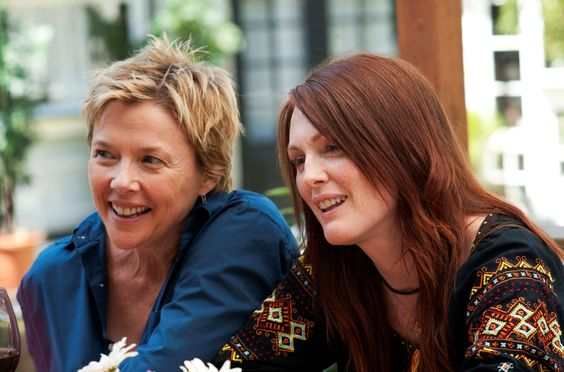 ANNETTE BENING Y JULIANNE MOORE Como Nic y Jules Allgood en The kids are right (2010)