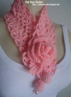 Golinha Flor Surprise - Crochet Scarflette - Pink Rose. Click on Gráfico Ponto for the diagram design