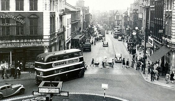 Bridge street Warrington 1950s - what a great old photo. Love the signs for Knutsford, Manchester etc.