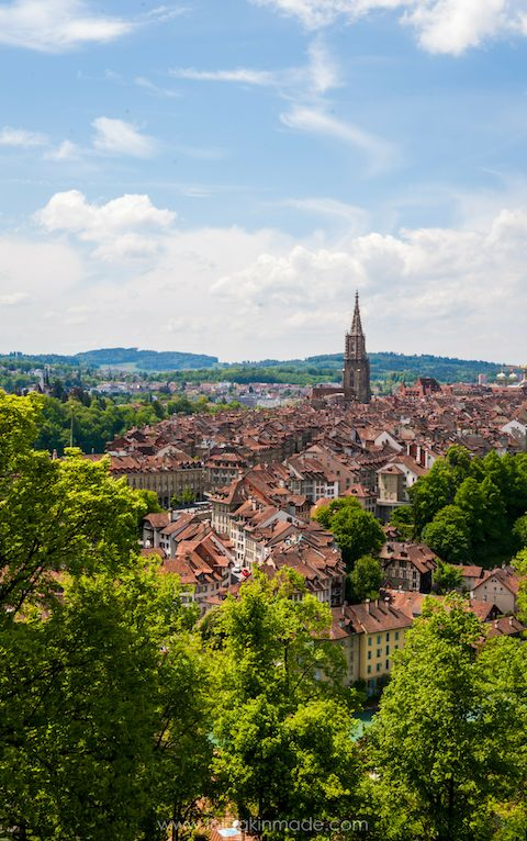 A visual guide to exploring the European city of Bern, Switzerland. Gorgeous photography to inspire your trip with photo location tips and suggestions. Relive the magic of Swiss culture with this city guide. Travel in Europe. | Geotraveler's Niche Travel Blog #Travel #TravelTips #TravelGuide #Wanderlust #BucketList #Photography #Switzerland #Bern #Europe #CityBreak