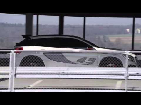 GLA 45 AMG.¿ Te atreves? Más videos en el Canal Oficial Mercedes-Benz España:http://goo.gl/Gzp7wV