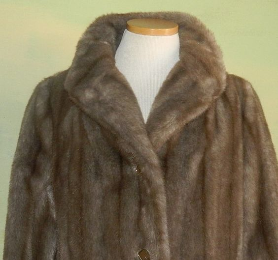 70s Faux Mink Faux Fur Coat Tissavel Fabric Imported by wyogems