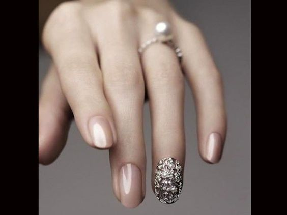 gorgeous silver nail accent