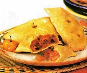 Faça você também esta deliciosa, simples e fácilReceita de Empanadas de peixe e camarão. Ingredientes 1 xícara (chá) de fubá 1 xícara (chá) de farinha de