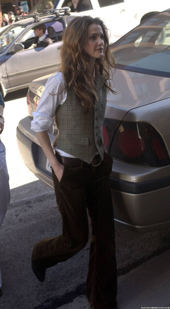 Love Keri Russell's style, digging itbutton down shirt, vest and trousers