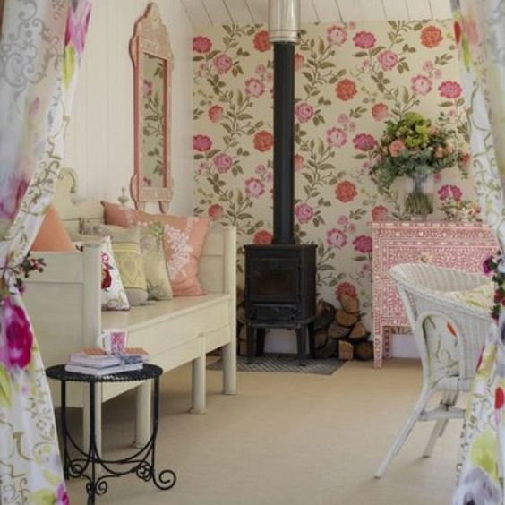 Country Girly Decor Love The Wallpaper Making My Home As Girly As Possible Pinterest The